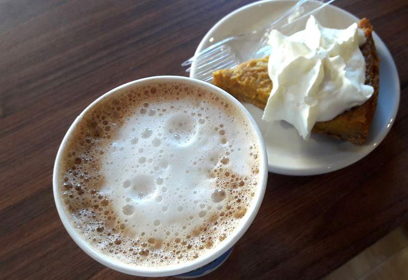 Cafe latte Second Cup Corina Stoicescu