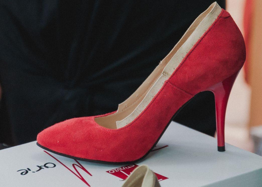 Diane Marie Studio Esenta tare pantof rosu