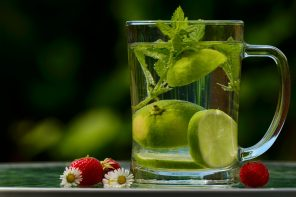 The smart way of drinking water and hydrate your body this summer