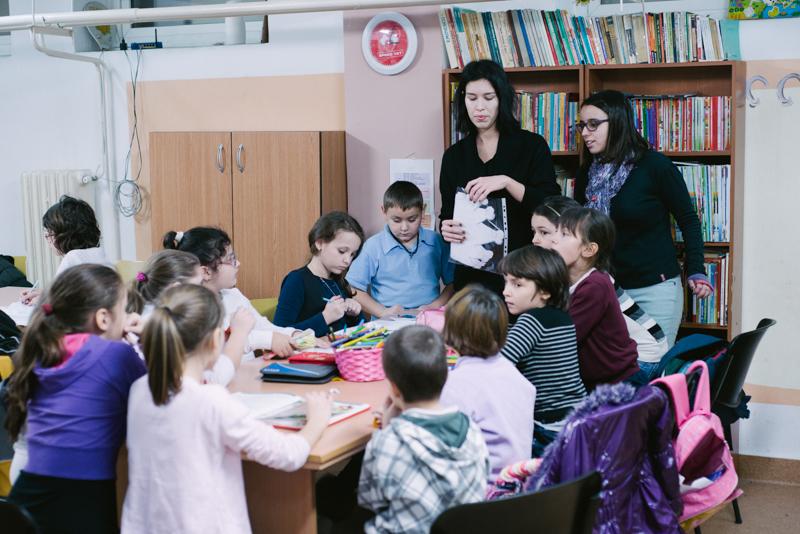 copii in sala de curs