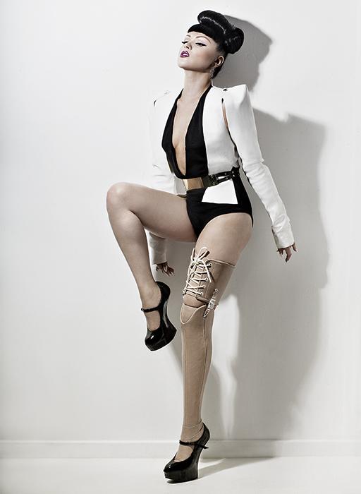 Viktoria-Modesta proteza bionica
