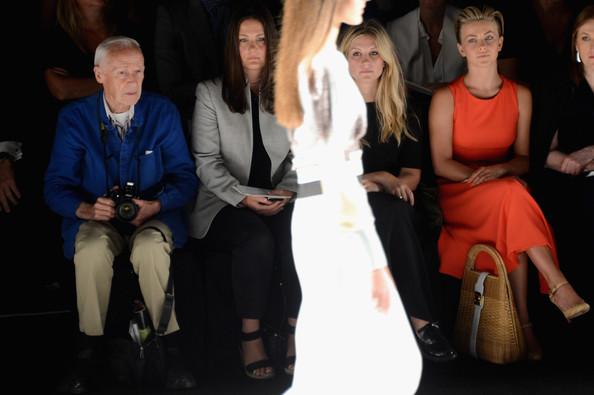 Bill+Cunningham+Carolina+Herrera+Front+Row+Ooz5j4mLyvnl
