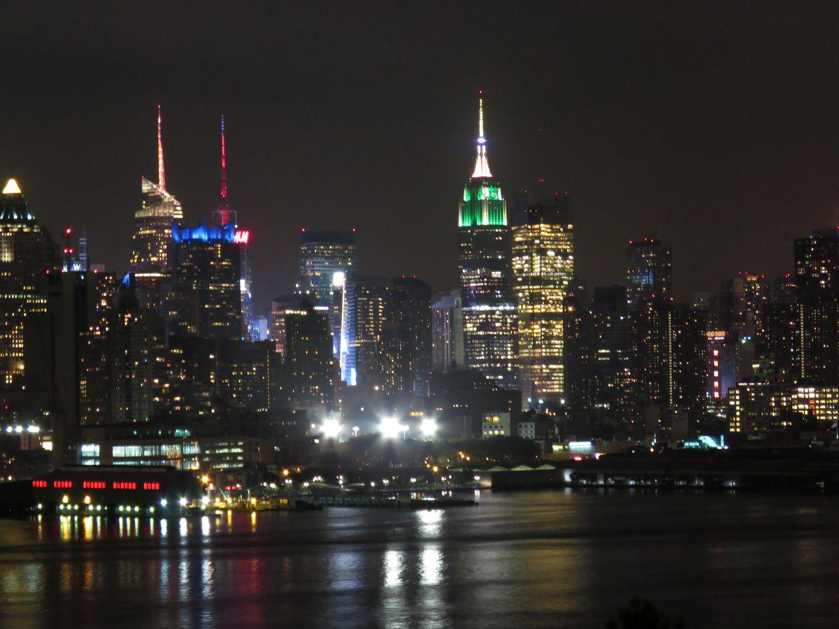 Manhattan Corina Stoicescu EsentaTare.com