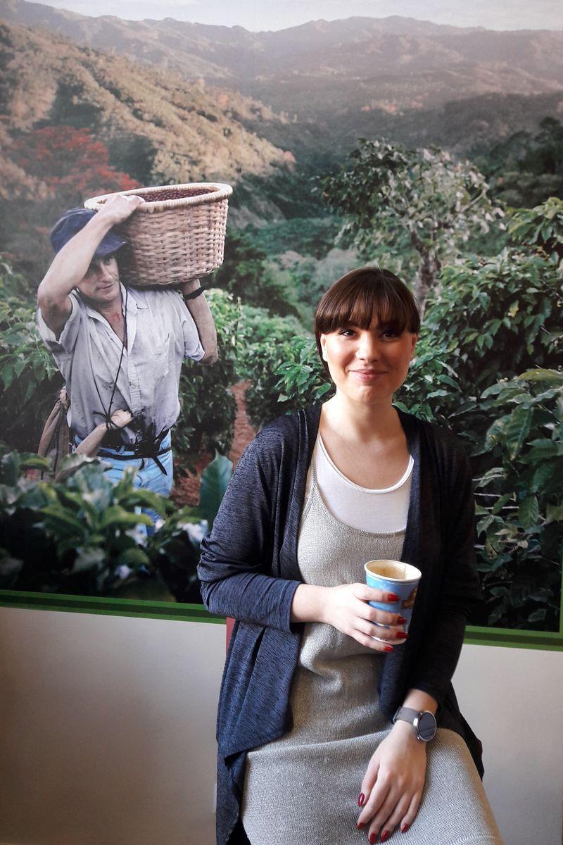 Cafenea Second Cup Corina Stoicescu