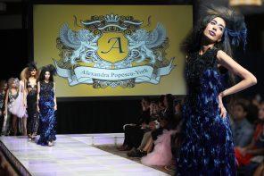 După ani de succes la New York, designerul Alexandra Popescu-York prezintă prima sa colecţie de modă în România. Se va întâmpla pe 10 martie!